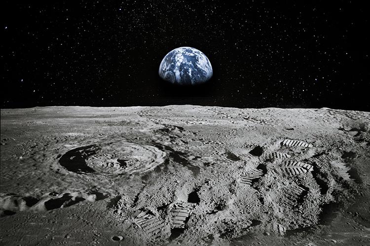 Od lune do zemlje